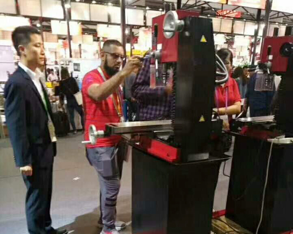China Transport Group Attended The 122nd Carton Fair And Got Much Limelight